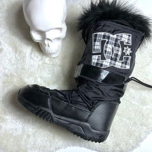 DC Fur Trimmed Chalet Boot Size 8-9.5